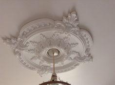 Modern Victorian Decor, Victorian House Interiors, Victorian Hallway, Victorian Living Room, Modern Victorian Bedroom, Victorian Lighting, Ceiling Rose, White Ceiling, Ceiling Decor