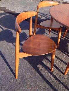 1950 S Dining Table With 4 Chairs By Conant Ball Russell