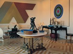 c/o NYTimes Mark Hampton created this room for Carter and Susan Burden in the The art included works by Frank Stella and Kenneth Noland, bronzes, a Korean deer, and Asian and Greek. Beautiful Interiors, Modern Interiors, Swedish Interiors, Beautiful Homes, Interior Decorating, Interior Design, Room Interior, Decorating Ideas, Principles Of Design
