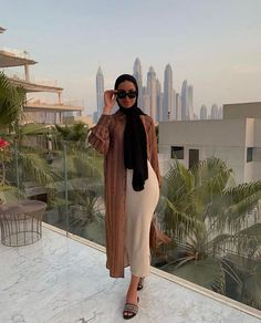 Muslim Fashion 591660469784176125 - 🌿 Source by cherry_bombgirl Modest Fashion Hijab, Modern Hijab Fashion, Street Hijab Fashion, Hijab Fashion Inspiration, Abaya Fashion, Muslim Fashion, Fashion Outfits, Modest Outfits Muslim, Hijab Fashionista