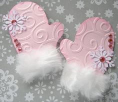 Сute embossed and fur cuff mittens!