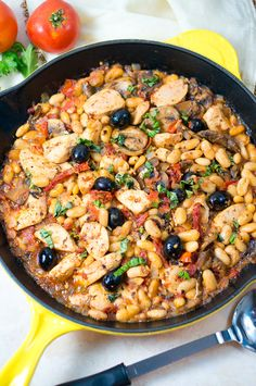 One Skillet Tuscan Chicken with mushrooms, white beans, and sundried tomatoes. One Pan, 30 Minutes! One pot dish that's perfect for busy weeknight dinners!