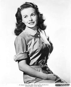 Jeanne Crain -- All-American small town girl Dorothy Dandridge, Kirk Douglas, Vogue Fashion, Fashion Models, Film Man, Jeanne Crain, Light Film, Old Hollywood, Hollywood Actresses
