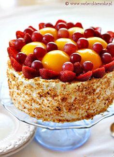 Strawberry Peach Cake by Mala Cukierenka, via Flickr