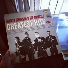 Oooo Baby Baby... Oldies but goodies morning with #SmokeyRobinson & the Miracles. #vinyl
