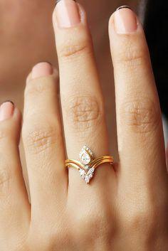Unique Bridal Pear Diamond Engagement Ring Wedding Rings Set !