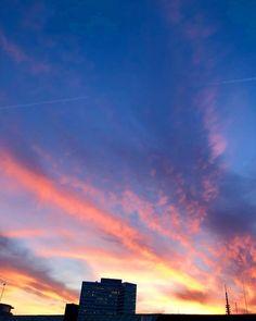 Cotton Candy  . . . . . #welovehh #hamburg #hamburgmeineperle #igershamburg #city #welovehamburg #hamburgliebe #instagood #cityview #sunset #sky #hh #visithamburg #streetphotography #040 #hamburg_de #art #hamburgerecken #instapic #dusk #hamburgcity #streetartphotography #alster #skypic #sky_love #citylife #streetart #openair #eimsbüttelernachrichten #cityphotography