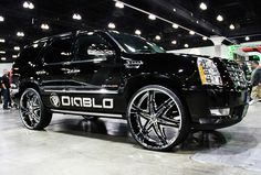 Custom SUV with 28 Rims | Diablo Elite Chrome Wheels on 2010 Cadillac Escalade