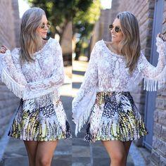 Mais uma do post que a @bianca_petry fez no blog! Blusa  REF 21447 e saia de neoprene REF 21554 #esmeral #esmerallovers #omg #ootd #lookdodia #lookoftheday #bloggers #fashionlovers #fashionaddicted #franja #neoprene #top #linda #wishlist #weheartit