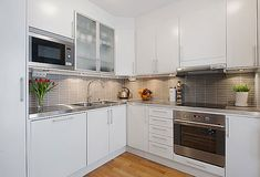 Kitchen ideas with white cabinets small kitchen modern kitchen remodel small white kitchen ideas for small . Country White Kitchen, Small White Kitchens, White Kitchen Decor, Kitchen Interior, Kitchen Small, Nordic Kitchen, Kitchen Grey, Country Kitchens, Kitchen Furniture