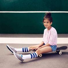 Lacoste: Ball of Match / Frühjahr / Sommer 2014 Kollektion. Fashion Kids, Preteen Fashion, Spring Fashion, Lacoste, Style Hipster, Jupe Short, Summer Kids, Summer 2014, Spring Summer