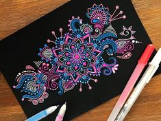 ⭐️ Using: Sakura Gelly Roll Pens Currently working with Sakura and using their awesome supplies like the gelly roll pens and Koi watercolours! Mandala Doodle, Mandala Art Lesson, Mandala Dots, Mandala Drawing, Drawing Drawing, Zen Doodle, Gel Pen Art, Gel Pens, Sharpie Art