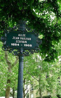 L'allée Jean-Paulhan  (Paris 7ème).