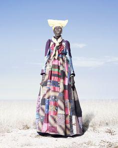 Marcas do Imperialismo: Conflito e Figurino na tribo Herero por Jim Naughten