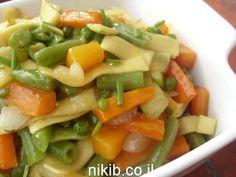 איטריות רחבות מוקפצות עם ירקות / צילום : ניקי ב