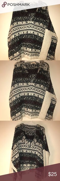 Hooded Knitted Hollister Sweater Like new, very warm and comfy. Perfect for the winter. Hollister brand, and an oversized fit. Hollister Sweaters Shrugs & Ponchos