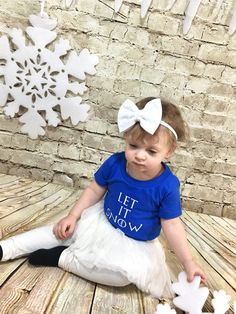 White Headband- White Bow; White Hair Bow; White Nylon Headbands; Baby Headband; Baby Nylon Headbands; Bow Headband; Toddler Headbands; Bows by SuVernBowtique on Etsy
