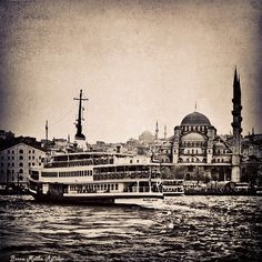 Where the great masters of Ebru originate from. Beautiful Mosques, Istanbul, Vibrant Colors, Taj Mahal, Paris, Architecture, World, City, Building