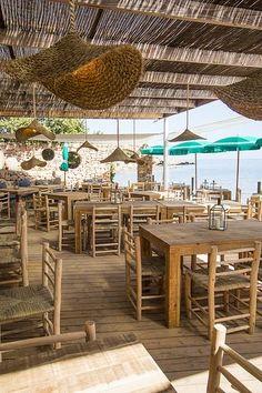 Cala Bonita Decoration Restaurant, Deco Restaurant, Outdoor Restaurant, Beach Restaurant Design, Cafe Interior Design, Cafe Design, Restaurant En Plein Air, Beach Cafe, Pool Bar