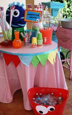 Fiestas tema Monster Inc Little Monster Birthday, Monster 1st Birthdays, Monster Birthday Parties, First Birthday Parties, 1 Year Birthday Party Ideas, Fun Party Themes, 1st Birthday Decorations, Ideas Party, Halloween Decorations