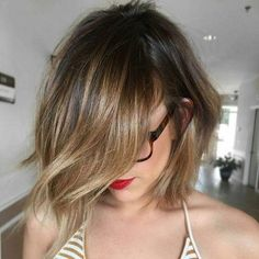Making Balayage on some short hair can seem to be tricky. Contrasting with a long hair, the position of the precision and highlights becomes very vital. However, if done properly, there are some short styles that could hit the balayage… Continue Reading → Short Hairstyles For Thick Hair, Short Hair Cuts, Bob Hairstyles, Short Hair Styles, Bob Styles, Brown Balayage Bob, Bayalage Bob, Balayage Straight, Balayage Highlights