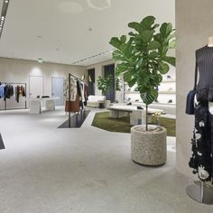 French fashion brand Céline by designer Phoebe Philo opens its first store in Dallas, Texas in Highland Park Village, a luxury shopping center. Shop Interior Design, Retail Design, Store Design, House Design, Boutique Interior, Highland Park Village, Elderly Home, Texas Homes, Retail Space
