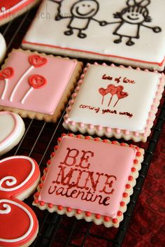 Super cute Valentine cookies by @LifesABatchNic