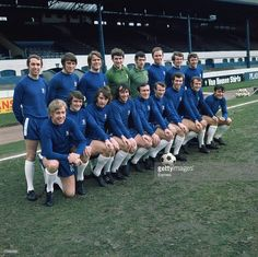 Team photo of the 1969 - 1970 CFC team Chelsea Fc Team, Chelsea Players, Retro Football, College Football, Association Football, European Soccer, Most Popular Sports, Stamford Bridge, English Premier League