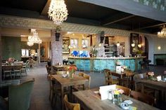 Les Halles - Düsseldorf - party at night and brunch or lunch at noon