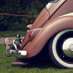 VW Beatle - learned to drive a stick shift on this car. Kdf Wagen, Vw Classic, Car Camper, Vw Vintage, Ford Falcon, Sweet Cars, Vogue, Car Painting, Vw Beetles