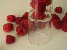 Tvarohový koláč z jogurtového cesta | Míniny recepty Raspberry, Fruit, Food, The Fruit, Raspberries, Meals, Yemek, Eten