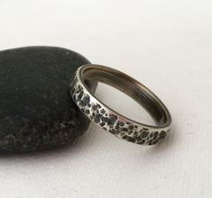 Silver Hammered Ring Rustic Wedding Band Men's Wedding Ring Womens Wedding Bands…