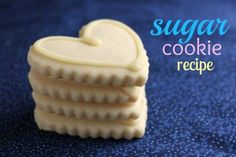 Delicious and easy sugar cookie recipe perfect for any decoration or occasion. These cookies hold their shape and the dough doesn't need refrigeration. This no spread sugar cookie recipe can be cut using any shape cookie cutter with great results. No Spread Sugar Cookie Recipe, Easy Sugar Cookies, Christmas Sugar Cookies, Cut Out Cookies, Sugar Cookies Recipe, Cookie Recipes, Cookie Ideas, Köstliche Desserts, Delicious Desserts