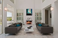 Inviting Texas Home Evoking a Coastal Atmosphere: Spanish Oaks Residence