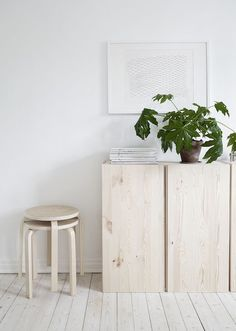 - Coins et recoins - Décoration salon / Living-room - deco Nordic style - La… Scandinavian Interior, Home Interior, Interior Styling, Interior And Exterior, Interior Decorating, Bohemian Interior, Interior Lighting, Luxury Interior, Frosta Ikea