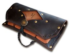 """Handmade Leather Tobacco Pouch  -  """"Out 'n' About""""  -  your initials pyroed on!(Etsy のAnkeLeathersより) https://www.etsy.com/jp/listing/240001534/handmade-leather-tobacco-pouch-out-n"""