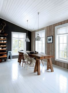 The rustic Norwegian log cabin hide-away. Birgitta Wolfgang Drejer / Sisters Agency, home interior, The rustic Norwegian log cabin hide-away Modern Cabin Interior, Scandinavian Cabin, Log Cabin Designs, Interior Architecture, Interior Design, Log Cabin Homes, Log Cabins, Cabin Interiors, Sweet Home