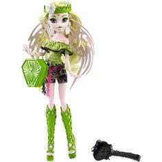 Monster High - Batsy Claro - Estudiantes de Miedo, la muñeca de Batsy Claro, un cepillo para el pelo y una peana. Batsy Claro es  la hija del vampiro blanco, viene de Vampicosta Rica y luce un conjunto monstruoso de su país de origen. Uno de los personajes Monster High de la colección Estudiantes de Miedo. Los demás personajes (Kjersti Trollson y Isi Dawndancer) se venden por separado.