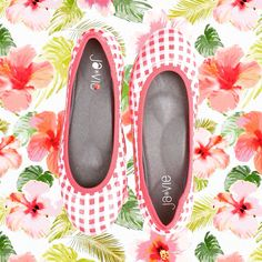 Gingham Hibiscus Flats from Ja-Vie // so summery. #summer #shoes #balletflats #gingham #hibiscus