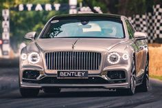Bentley Auto, Bentley Motors, Luxury Car Brands, Luxury Cars, Future Car, Car Wallpapers, Amazing Cars, Car Car, Car Garage