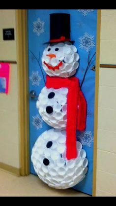 1000 ideas about snowman door on pinterest door hangers for How to decorate apartment door for christmas
