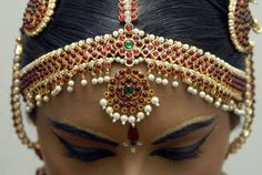 Bharatanatyam, dance, India, jewelry, makeup