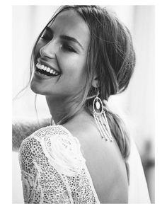 Felicidad. Qué bonito nombre tienes!  { by @jesswitheyphoto}. #happiness #felicidad #goodmorning #buenosdías #hairstyle #hairdo #wedding #weddingday #boda #bride #bridal #novia #mariee #bridaldress #vestidodenovia #weddingdress #photography #photoshoot #espaladasinfinitas #inlove #amazing #espectacular #beautiful #stunning #weddinginspiration #inspiration #love #like #picoftheday #siempremia