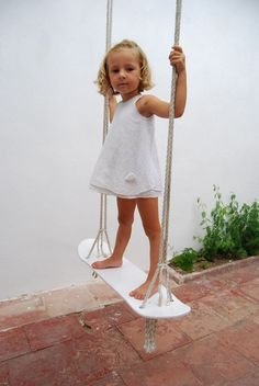 Image on DIY projects for everyone!  http://diyprojects.ideas2live4.com/social-gallery/diy-skateboard-swing-04