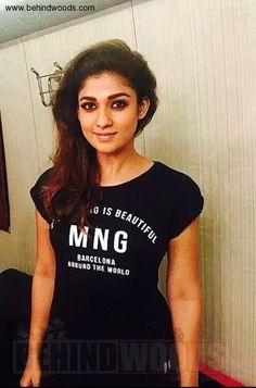 Nayanthara (aka) Nayantara photos stills & images Indian Bollywood Actress, Tamil Actress, Indian Actresses, Actress Anushka, South Actress, South Indian Actress, Most Beautiful Indian Actress, Beautiful Actresses, Nayanthara Hairstyle