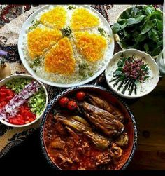 Iran Food, Some Beautiful Pictures, Dessert Recipes, Desserts, Persian, Curry, Iranian, Salad, Lunch