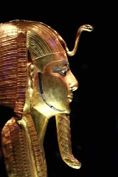 *EGYPT ~ Death mask of King Psusennes who ruled during the Dynasty. Ancient Egyptian Art, Ancient History, Egypt Mummy, Papyrus, Egypt Art, Ancient Artifacts, Ancient Civilizations, Archaeology, Photos