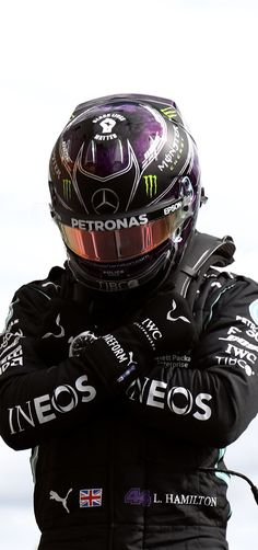 Mercedes Black, Mclaren Mercedes, Mercedes Benz Logo, Formula 1 Iphone Wallpaper, F1 Wallpaper Hd, Wallpapers, F1 Lewis Hamilton, Lewis Hamilton Formula 1, Formula 1 Car Racing
