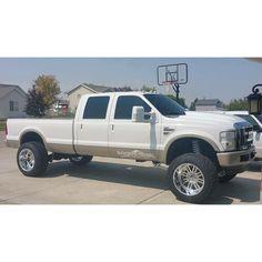 Owner: @tnt_6fo Like if you would drive this! Tag your Friends Send in your pics for a feature @indiana_truck_mafia  @trucks.for.days  @boss_dieselz  @southerntruckpride  @diesels_n_broads   #lifefordiesels #diesel #liftedtrucks #cummins #ram #2500 #duramax #powerstroke #builtdiesels #dieselsdaily #soots_weak #FarFromStock #FFS #trucks #stance #smoke #trucksfordays #notyourmomstruck #dodge #ford #chevy #gmc #coalrollin #coaltrain #offroad #allterriantrucks #offroadmovement #4x4 #truckporn by…