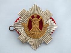 Vintage Royal Scots Regiment Glengarry Badge (120801-267-6 / 12-11714-RC/EB) On www.rhodonscollectables.co.uk